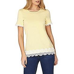 Dorothy Perkins - Lemon circle lace trim t-shirt