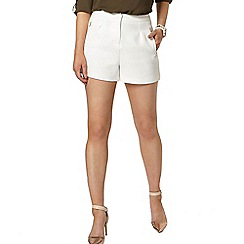 Dorothy Perkins - White textured shorts