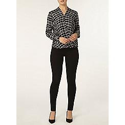 Dorothy Perkins - Black check wrap shirt
