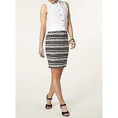 Dorothy Perkins - Ivory sleeveless ruffle shirt