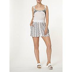 Dorothy Perkins - Embellished co-ord shorts