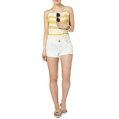 Dorothy Perkins - White denim raw hem short