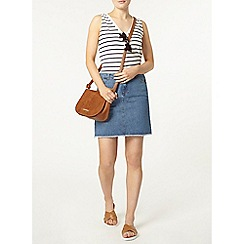 Dorothy Perkins - Midwash frayed hem denim skirt