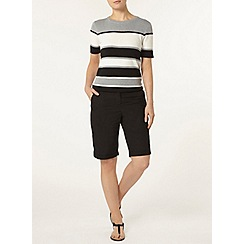 Dorothy Perkins - Black cotton poplin knee short