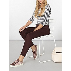 Dorothy Perkins - Burgundy belted skinny chino trousers