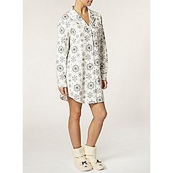 Dorothy Perkins - Petite snowflake nightshirt