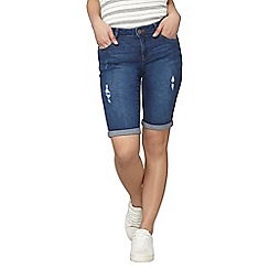 Dorothy Perkins - Petite mid wash abrasion knee shorts