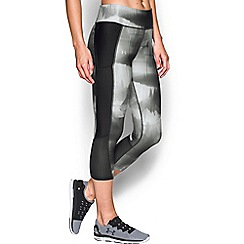 Under Armour - Black 'Fly-By' printed capris