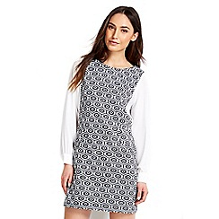 Wallis - Petite geometric sleeve pinny dress