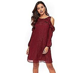 Wallis - Petite wine metallic cold shoulder shift dress