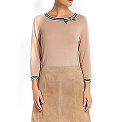 Wallis - Camel tipped bow detail jumper