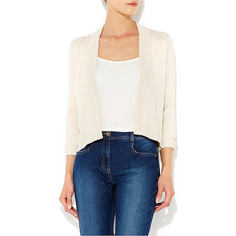 Wallis - Stone shrug