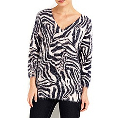 Wallis - Fluffy animal v neck jumper