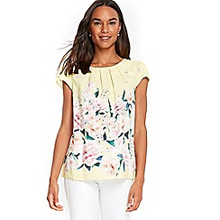 Wallis - Lime green floral shell top