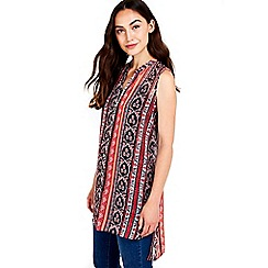 Wallis - Red kaftan