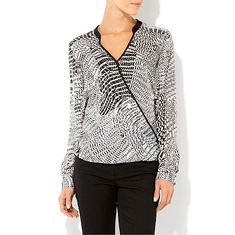 Wallis - Grey geometric print wrap top