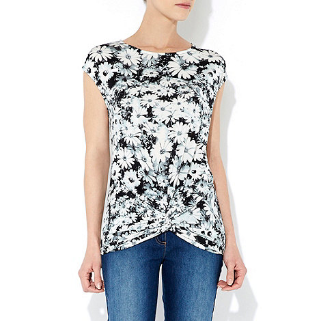 Wallis - Black and white daisy print top