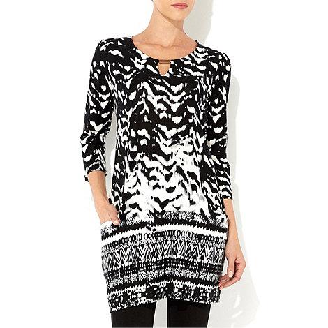 Wallis - Black and white tribal print tunic