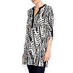 Wallis - Feather printed monochrome shirt