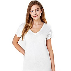 Wallis - Ivory v -neck cuff t-shirt