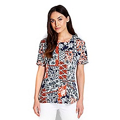 Wallis - Printed twist front top