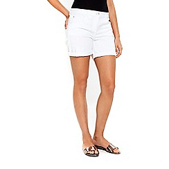 Wallis - White roll up hem shorts