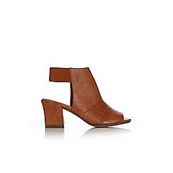 Wallis - Tan peepetoe sandal