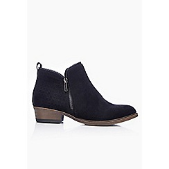 Wallis - Black low heel ankle boot