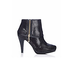 Wallis - Black platform zip boot