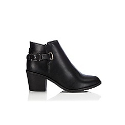 Wallis - Black leather look ankle boot