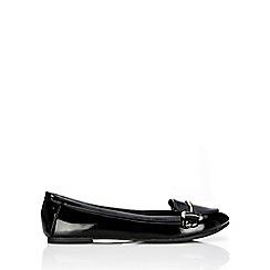 Wallis - Black round toe ballerina shoe