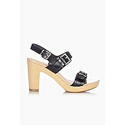 Wallis - Black woodlook sandals