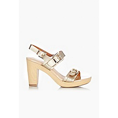 Wallis - Gold wood look sandals