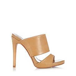 Wallis - 2 band camel heeled mule