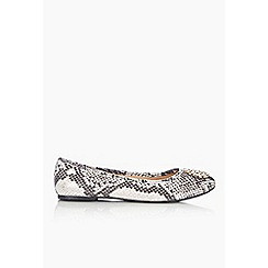 Wallis - Grey trim ballerina shoe