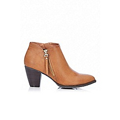 Wallis - Tan side zip block ankle boot