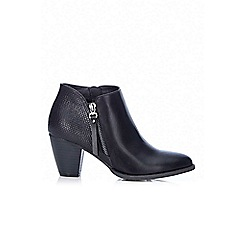 Wallis - Black side zip block ankle boot