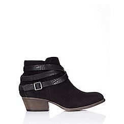 Wallis - Black low heel ankle boot