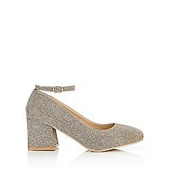 Wallis - Gold ankle strap court shoe