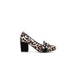 Wallis - Stone leopard print block heel court shoes