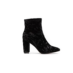 Wallis - Black side zip point ankle boots