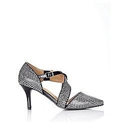Wallis - Monochrome cross strap court shoe