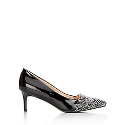 Wallis - Zebra print low pointed court shoe