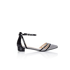 Wallis - Monochrome cutout pointed flat shoes