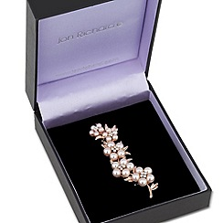 Jon Richard - Graduated five pearl flower brooch