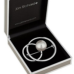 Jon Richard - Pearl and interlinked silver circle brooch
