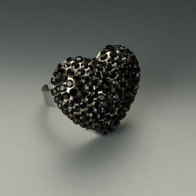 تشكيلة من المجوهرات تجنن
