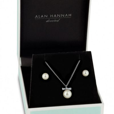 Alan Hannah Devoted Designer cubic zirconia bow pearl necklace and earring set - . -