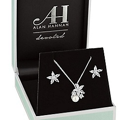 Alan Hannah Devoted - Silver flower and pearl jewellery set