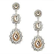 Filigree crystal chandelier earring